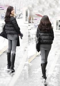 冬季女式宽松深色格子大衣时尚混搭方法
